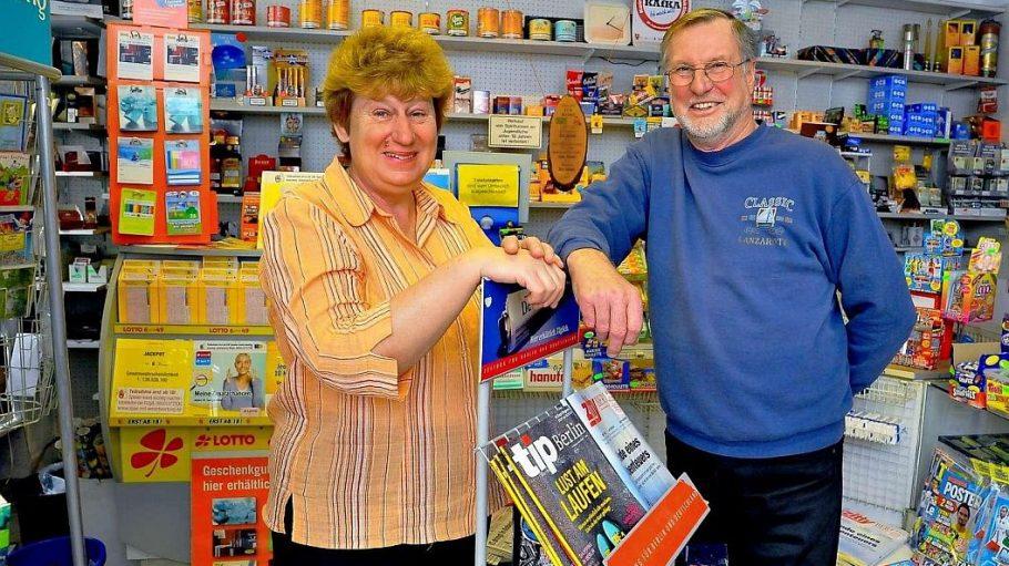 Sigrid und Klaus Allenstein betreiben den Kiosk in der Ackerstraße 166 in Berlin-Mitte.