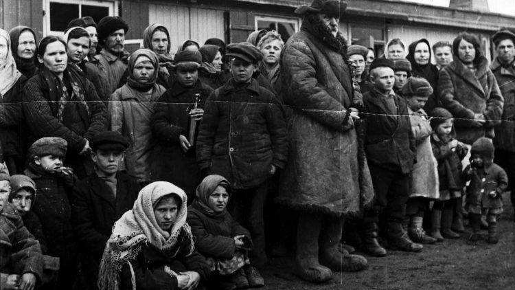 Deutschlandweit richteten Betriebe, der Staat und Arbeitsverwaltungen rund 30.000 Lager für zivile Zwangsarbeiter ein. Wie hier in Meinerzhagen gehörten oft auch Kinder zu den Verschleppten. Was die Menschen in Berlin erlebten, kannst du jetzt auch online erfahren.