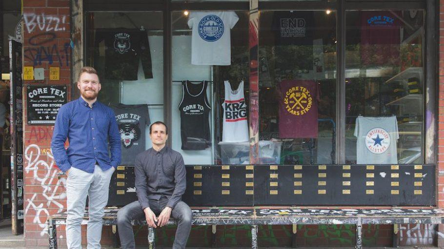 Samuel Wurster und David Patzer sind die Gründer von Journeyman und wollen Handwerkern die Möglichkeit bieten, überall auf der Welt Erfahrungen zu sammeln.