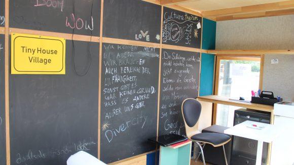 Das Innere des kleinen Büros.