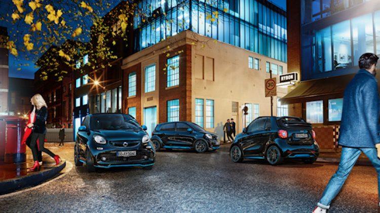 Ein smart ist bei Tag und Nacht das perfekte Auto für Berlin. Und das schon seit 20 Jahren.