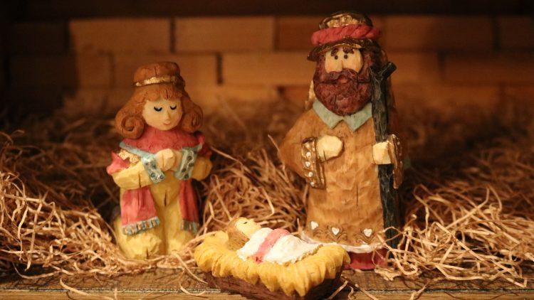 Weihnachtskrippe, Maria, Josef und das Jesuskind aus Holz