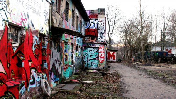 Zum Sprayen freigegeben: Die alten Ruinen sollen bald Teil eines BMX Superparks werden.