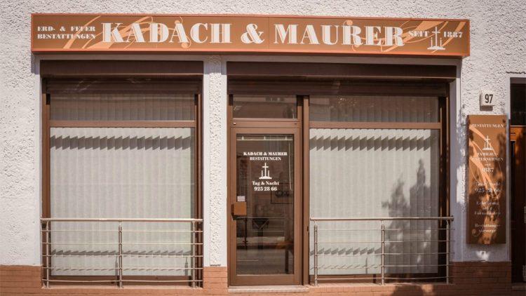 Seit 1887 kümmert sich Kadach und Maurer mit Kompetenz und Einfühlungsvermögen um Bestattungen.