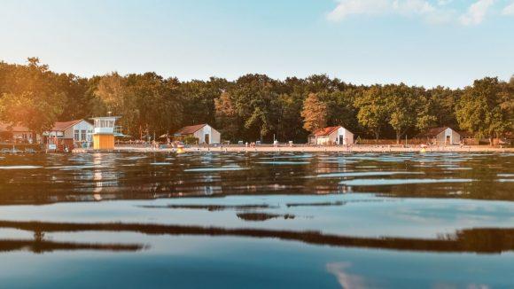Strandbad Wendenschloss vom Wasser aus