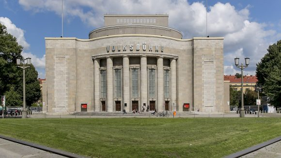 Volksbühne am Rosa Luxemburg Platz tagsüber