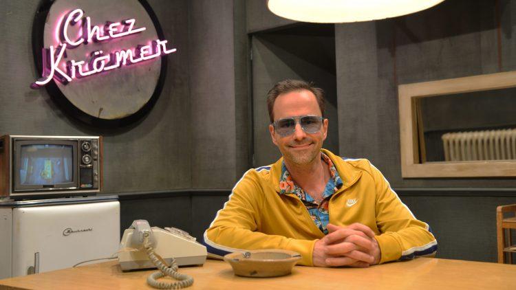 """Kurt Krömer im Studio von """"Chez Krömer"""""""