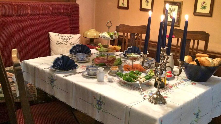 Altstadtcafé Tisch
