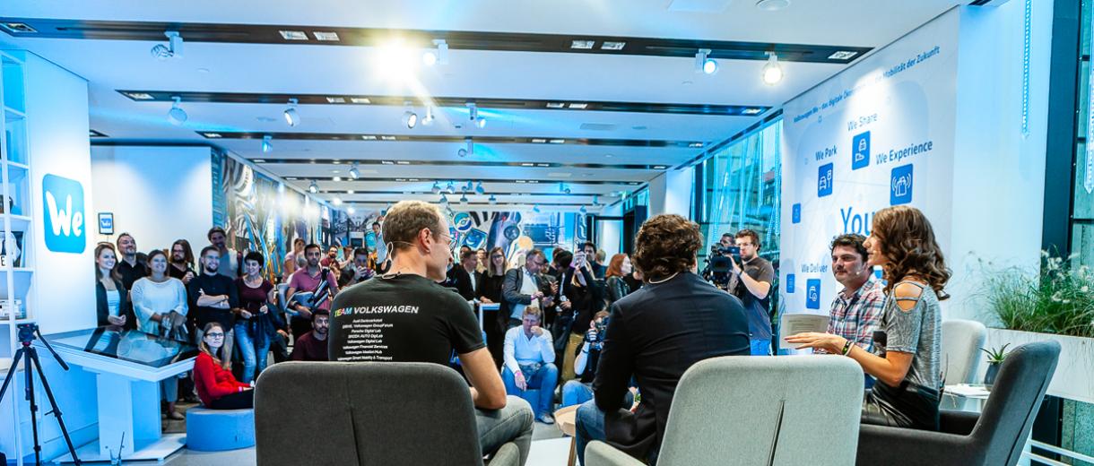 Der Volkswagen We Space eignet sich hervorragend für Talks, Workshops oder Co.