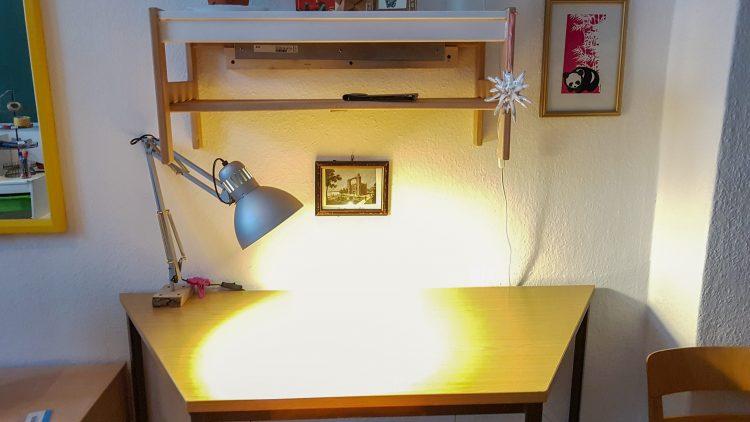 Bild von einem Schreibtisch