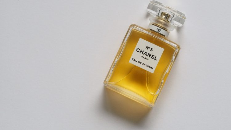 Parfümflasche Chanel No. 5
