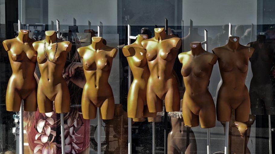 Nackte Schaufensterfiguren