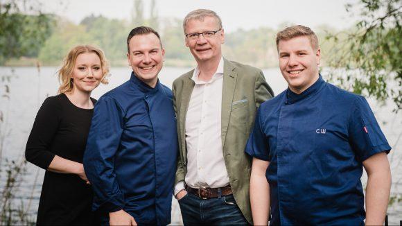 Villa Kellermann Team (von links): Patricia Liebscher, Tim Raue, Günther Jauch, Christopher Wecker