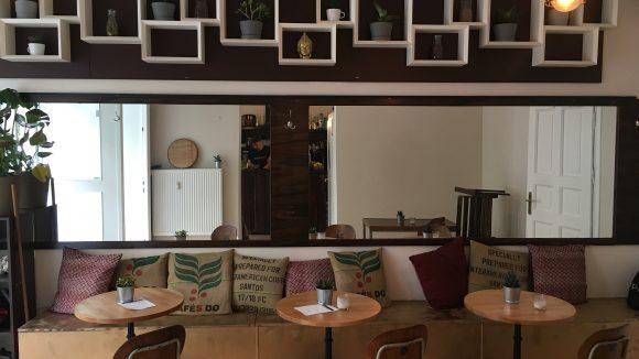 So sieht es im Café Canna in Prenzlauer Berg aus.