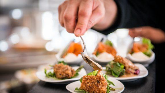 Eventcatering-SinnesRausch-Vorspeise-mit-Salat