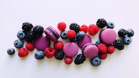 Macarons Waldfrucht
