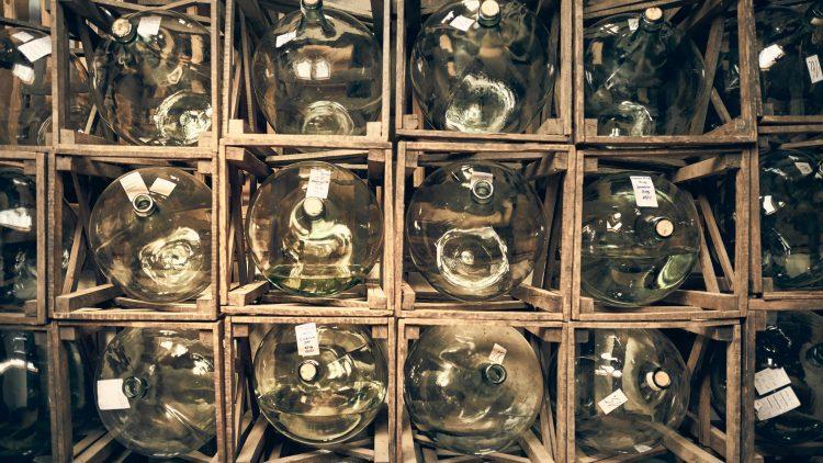 Flaschen mit Likör bei der Spreewood Destille