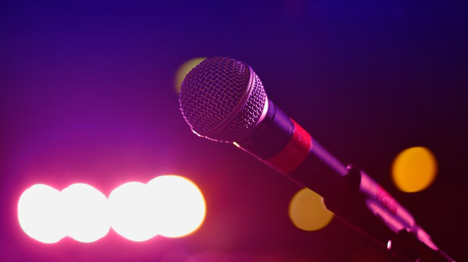 close-up-photography-of-microphone