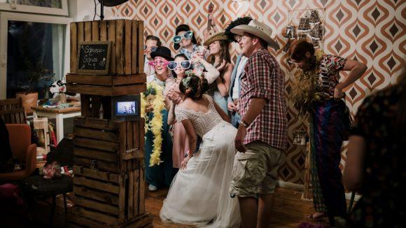 Gruppenfoto vor der Fotobox