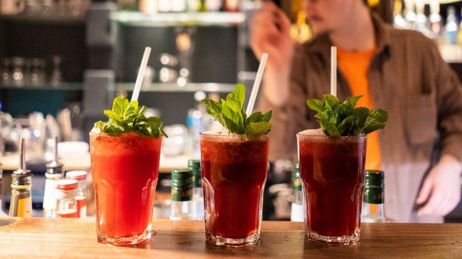 Leckere Cocktails - wie hier auf dem Tresen der Jatz Bar - sind im Wedding längst keine Seltenheit mehr.