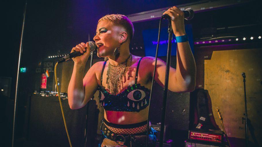 Ronsons 15 Anniversary 2019 Sängerin