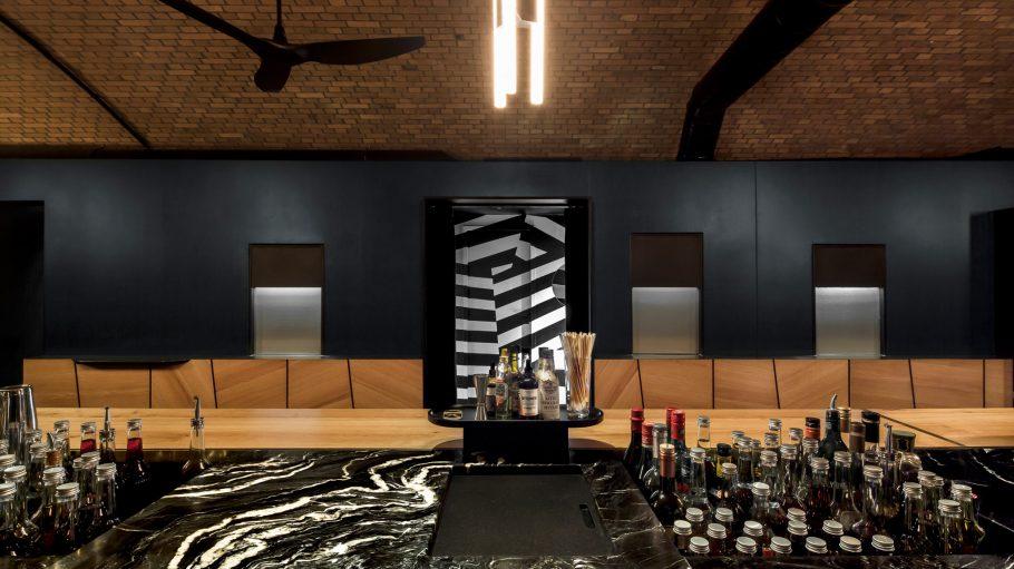 Bar_Zentral-Hidden_Fortress-screen-02