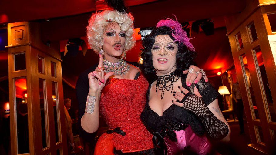 Gloria Viagra (links) und Sheila Wolf sind ein Dreamteam und Organisatorinnen des Tuntenballs.