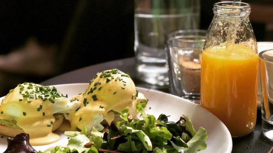 Eggs Benedict im Le Bon in Kreuzberg