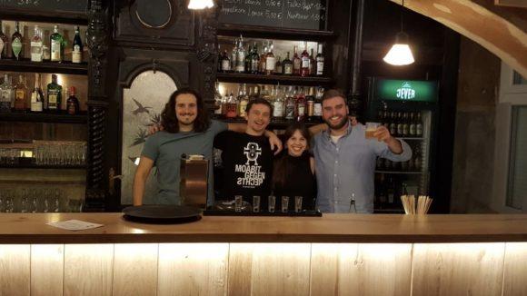 Das Perlou-Team: Samy, Dennis, Lucia und Max.