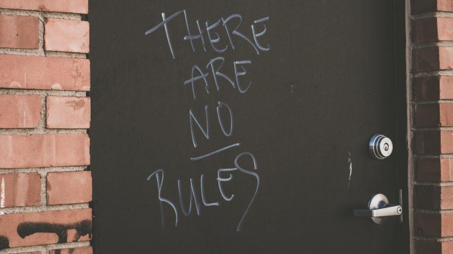 Wenn keine Regeln ausgemacht wurden, kann es in WGs gerne zu Konflikten kommen.