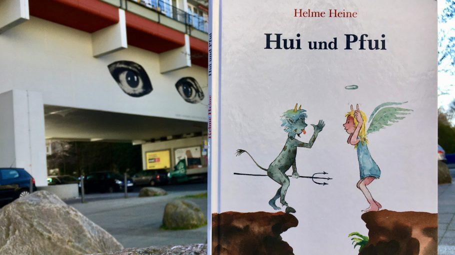 """""""Hui und Pfui"""" Kinderbuch, Beltz, vor dem Pallasseum"""