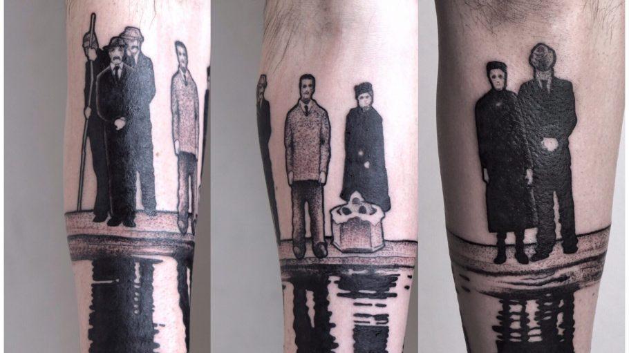 Tattoo von Menschen, die sich in Wasserfläche spiegeln