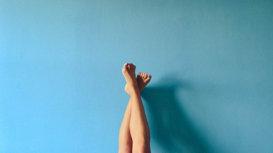 Symbol Waxing nackte Beine-lucrezia-carnelos-unsplash