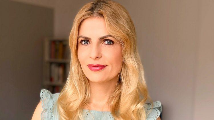 Tanja Bülter, blonde Frau, Kopf