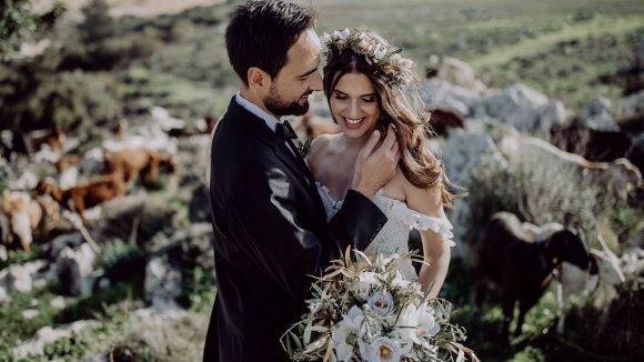 Braut und Bräutigam bei Hochzeit in Zypern