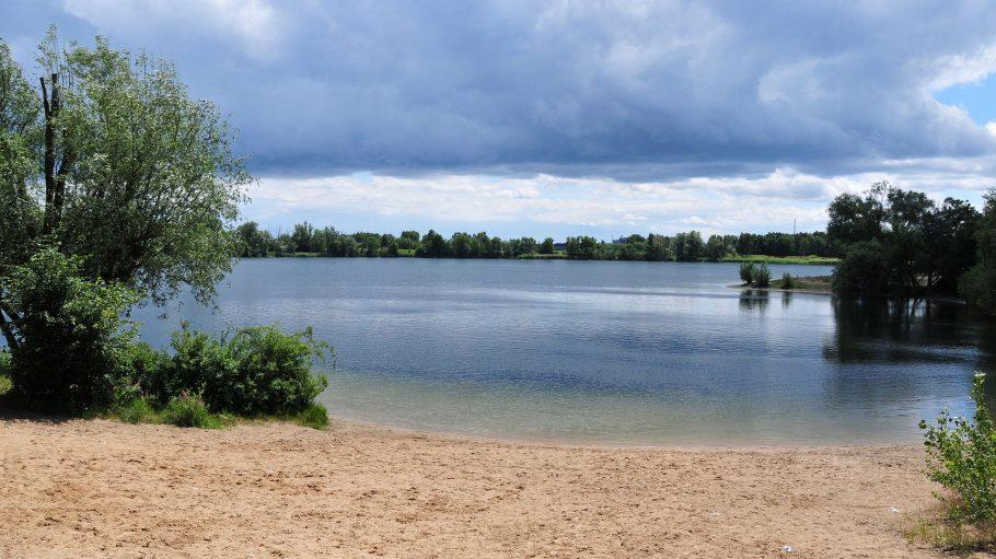 Flughafensee mit Badestrand