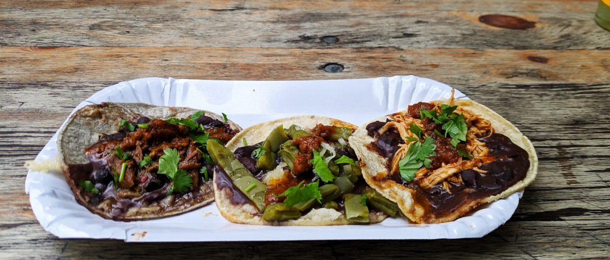 Tacos auf Pappteller