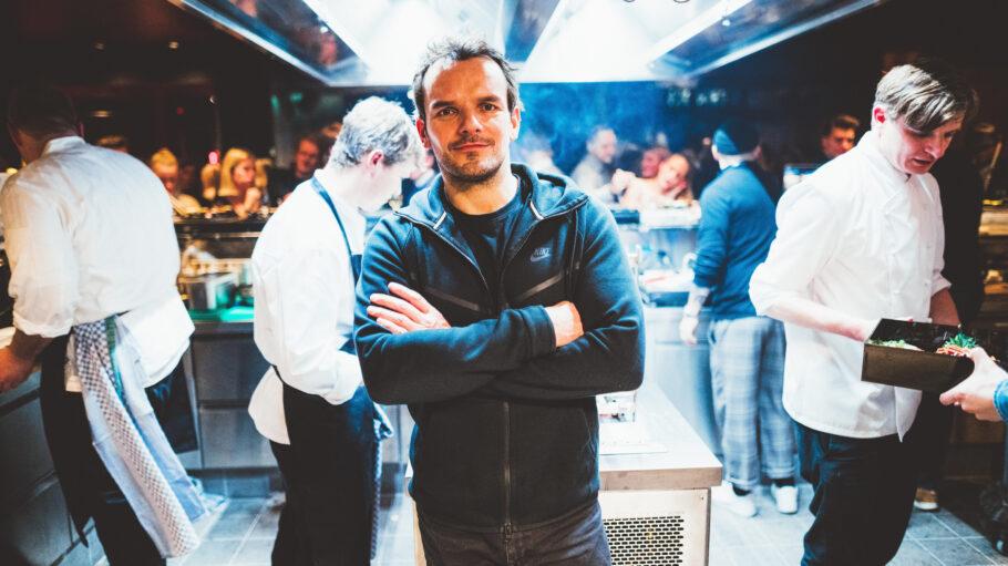 Steffen Henssler in der Küche