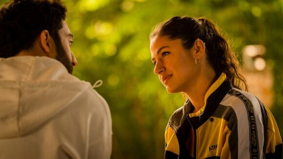 Soma Pysall als Hajra in der TNT-Serie Para - Wir sind King.