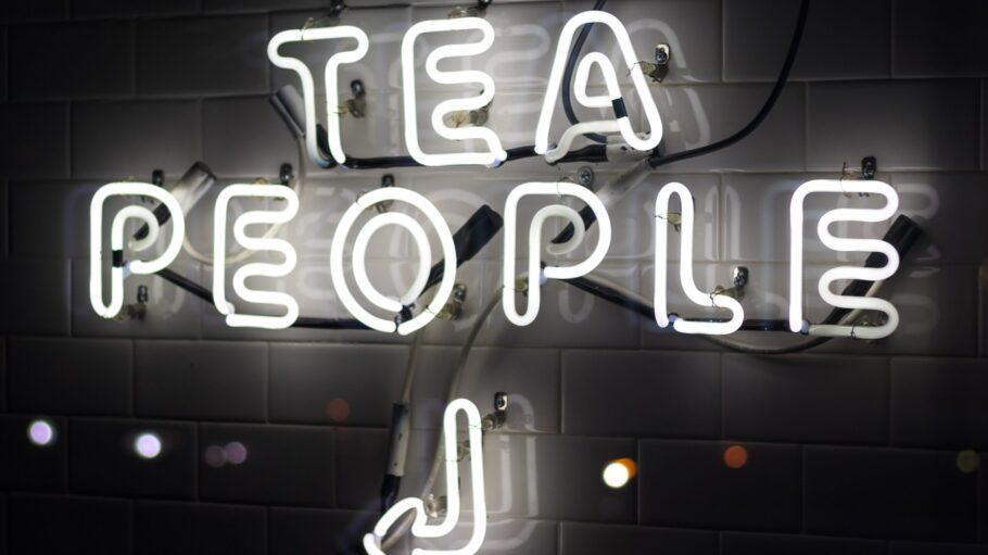 Neon Licht Tee