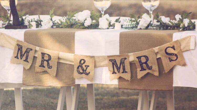 Schild Mr. und Mrs.