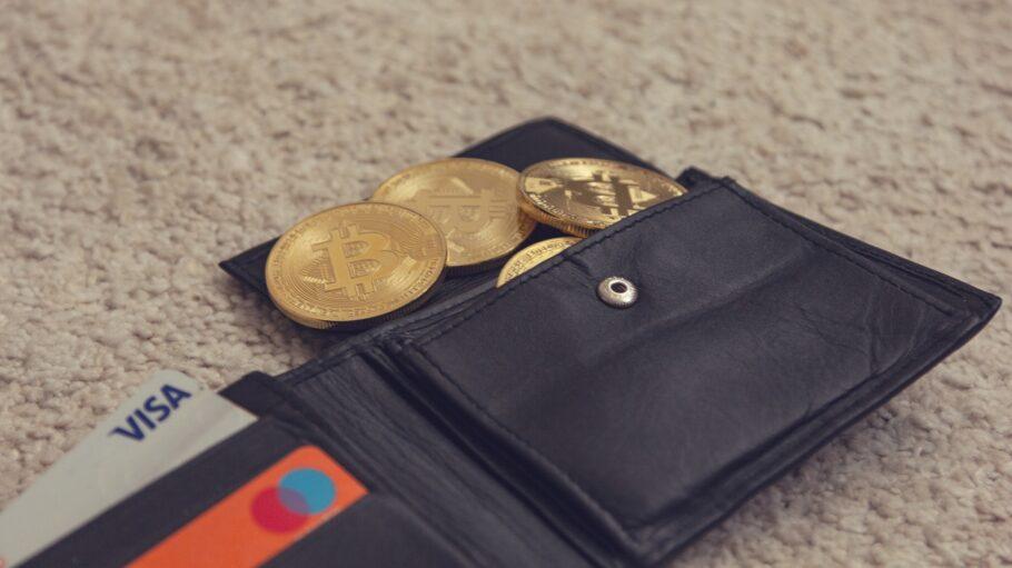 Wer ein paar einfache Grundsätze beachtet, ist beim Kauf von Bitcoins grundsätzlich auf der sicheren Seite. Dazu gehört auch ein Check auf Plattformen wie beispielsweise betrugstest.com.