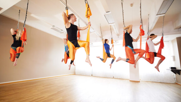 Ob Kraft oder Cardio, Schwimmen oder Aerial Yoga, hier kommt jeder auf seine Kosten, der fit und gesund in Herbst und Winter starten möchte.
