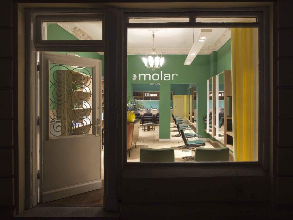 """""""Wir wollten einen kleinen, sehr individuellen, schicken und durchgestylten Salon"""", so einer der Besitzer Sven Henninges."""
