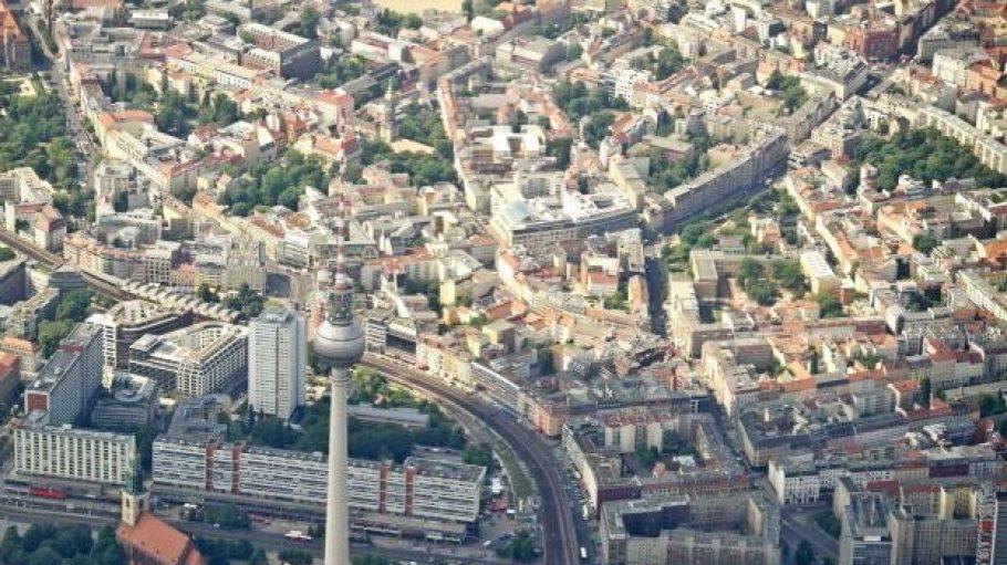 Der Alexanderplatz und seine Umgebung werden zunehmend interessanter für Büro- und Geschäftsgebäude.