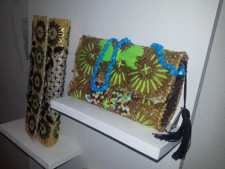 Besonders gut gefielen uns auch die originell präsentierten Ketten der kenianischen Designerin Adèle Dejak. Diese wird es nun drei Monate hier zu kaufen geben.
