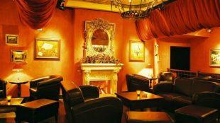 Die gemütliche Lounge der Amber Suite.