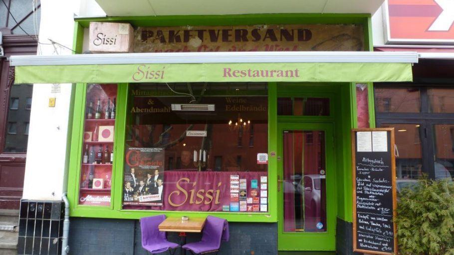 Unser Treffpunkt: das österreichische Restaurant Sissi.