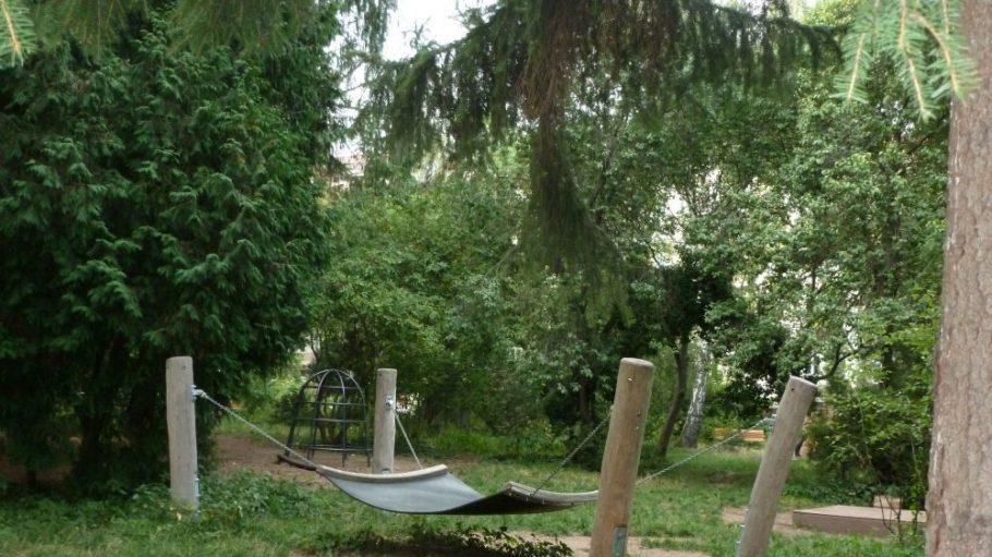 Den Namen dieses besonderen Parks haben Schüler der benachbarten Heinrich-Roller-Grundschule geprägt.