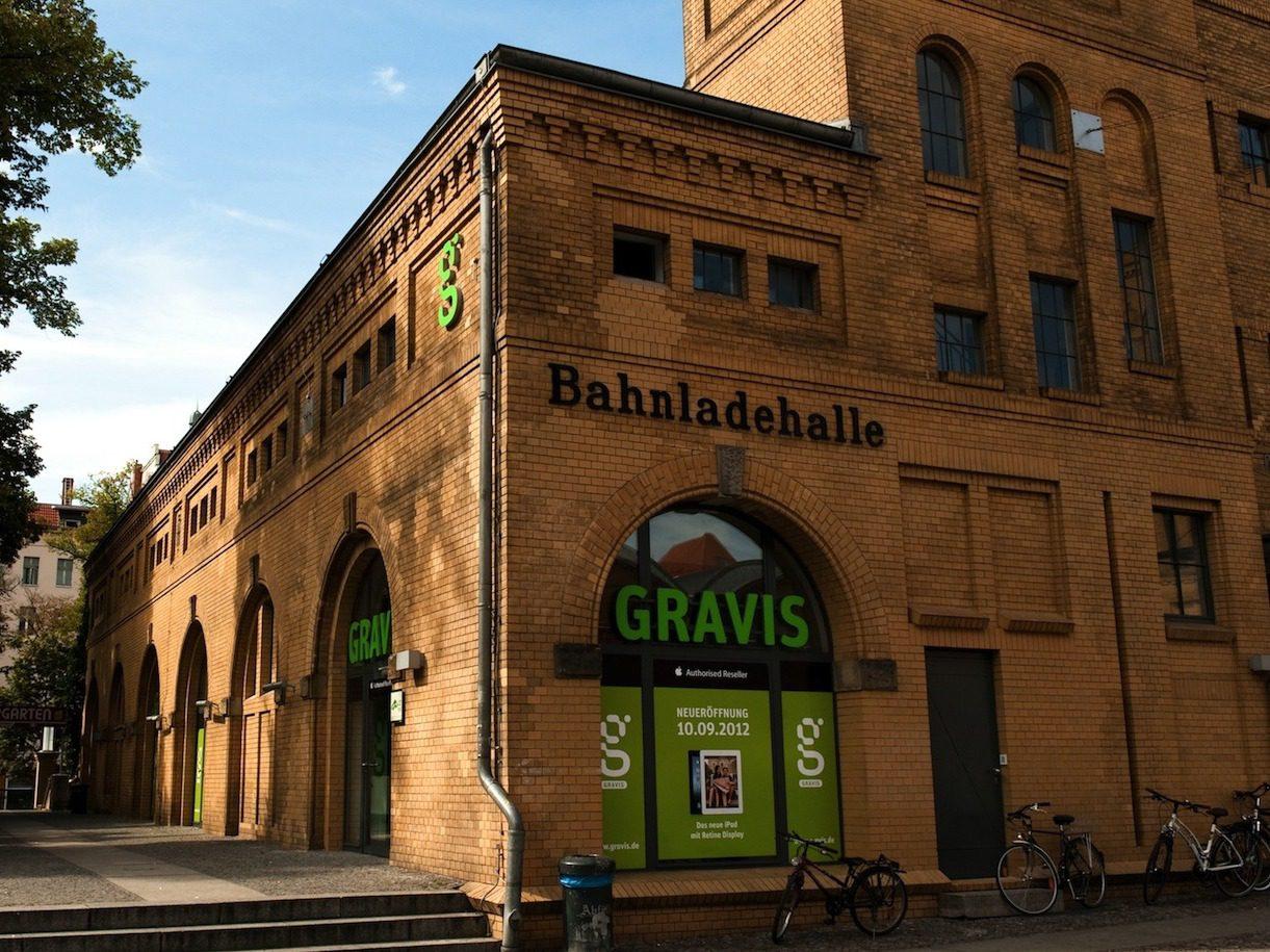 Fällt auf: der neue Gravis Store.